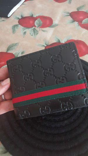 Wallet nueva..precio firme for Sale in Los Angeles, CA