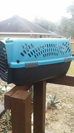 SMALL PET CARRIER CAT/DOG GOOD SHAPE STURDY QUALITY NW OCALA $20 o.b.o. for Sale in Ocala,  FL