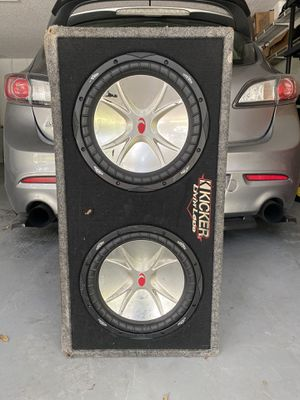 """2 12"""" Kicker Subwoofer with amp for Sale in Kissimmee, FL"""
