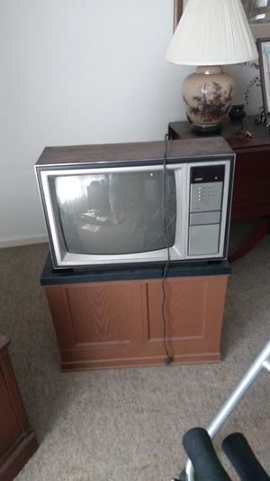 Tv. And dehumidifier for Sale in Pontiac, MI