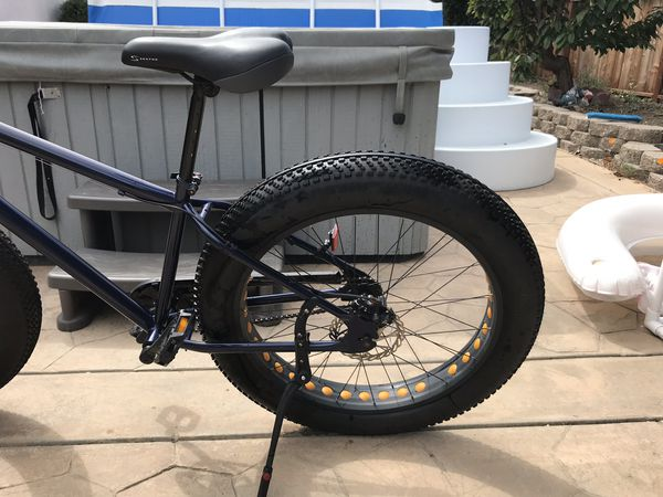 Fat tire bike with front and rear disk brakes.