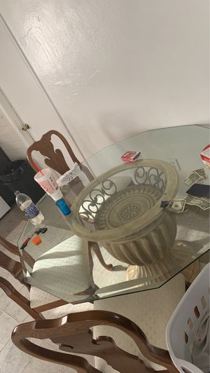Kitchen table & chairs! for Sale in Holiday, FL