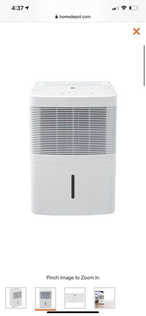 GE 3 Fan Speeds 30 pt. Dehumidifier for Sale in Sugar Land, TX