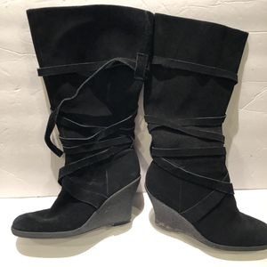 Enzo angiolini Wedge suede boots sz 8 for Sale in Baltimore, MD