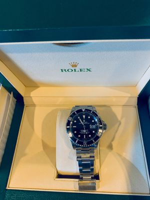 Great condition Rolex Submariner 16610 with Oyster bracelet and rubber strap for Sale in Cypress, TX