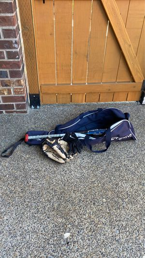 Youth Baseball Bat, gloves, and bag for Sale in Oregon City, OR