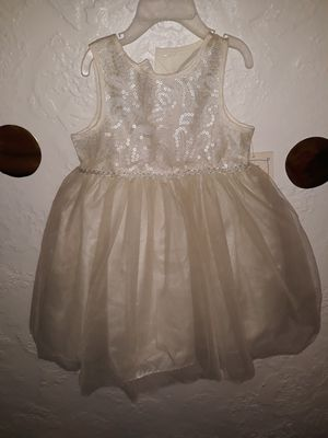 White Dress 24months for Sale in Ceres, CA