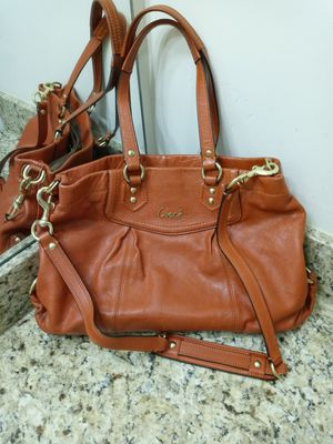 Coach Purse/ shoulder bag for Sale in Lexington, SC