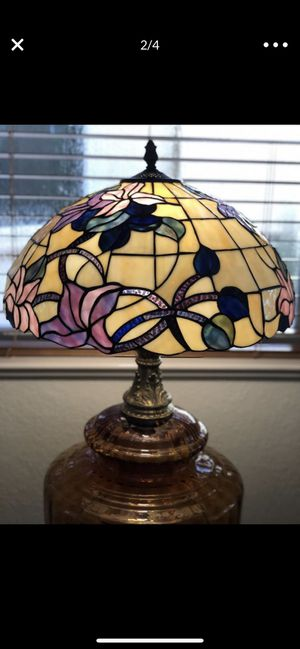 ANTIQUE GIGANT CHINESE TIFFANY STYLE TABLE LAMP for Sale in Los Angeles, CA