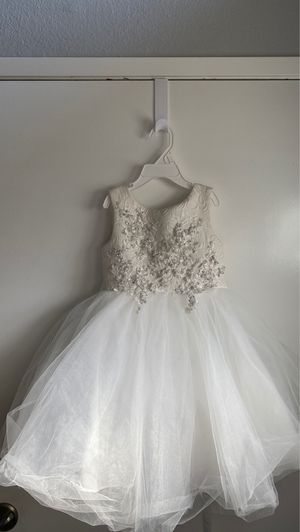 Petite Adele size 2 flower girl dress 100% polyester for Sale in Lake Forest, CA