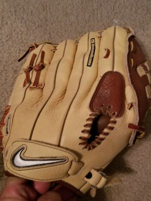 "Nike show series 1300 / 13"" baseball glove. Never used. for Sale in Parker, CO"