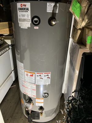 New Ruud Commercial 75 gal gas water heater for Sale in Phoenix, AZ