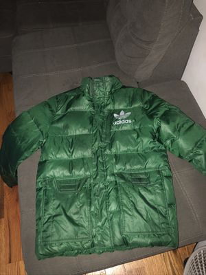 ADIDAS BUBBLE COAT for Sale in The Bronx, NY