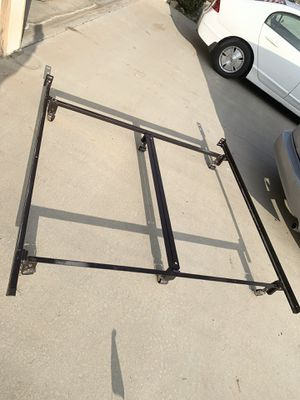 Cal King size bed frame fix for Sale in Riverside, CA
