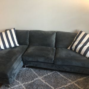 Couch w/chaise for Sale in Portland, OR