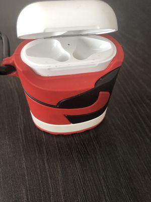 Apple AirPod case with Jordan case for Sale in Atlanta, GA