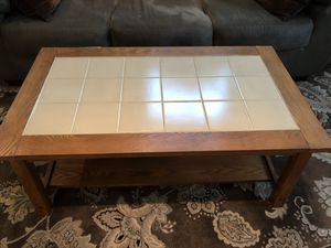 "Coffee table. W 25"", H 18"", L 43"" for Sale in Pompano Beach, FL"