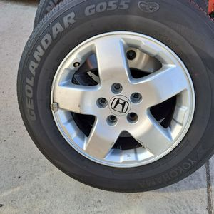 Honda Element Odyssey Crv 16in Rims With Tires for Sale in Moreno Valley, CA