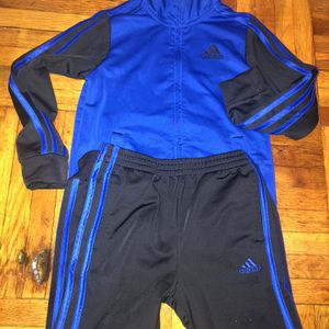 Adidas outfit for Sale in Brooklyn, NY