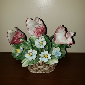 Crown N capodimonte flowers in a basket . for Sale in Zanesville, OH