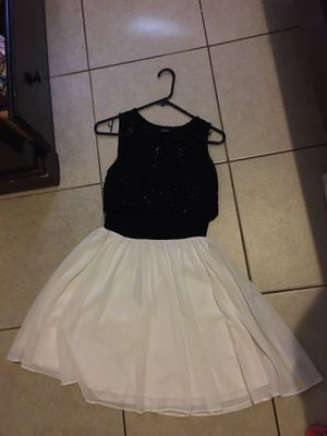 White and black dress for Sale in Bell Gardens, CA