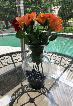 Beautiful vase and flowers/stones for Sale in Tampa, FL