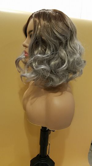 Short Gray&Brown Wavy Wig for Sale in Hudson, FL