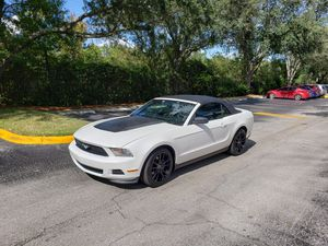 Mustang 2012 convertible Clean title for Sale in Orlando, FL