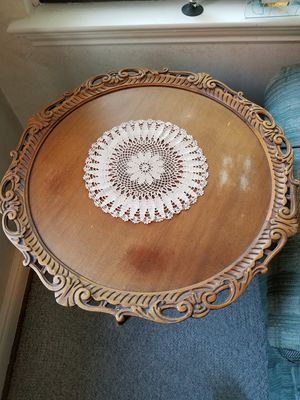 Antique hand carved wood end table for Sale in Lincoln Park, MI