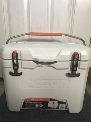 Ozark Trail 26-Quart High-Performance Cooler for Sale in Romeoville, IL