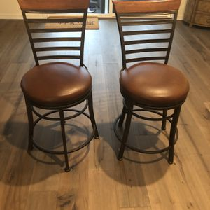 Two Swivel Counter/Bar Stools for Sale in Bonney Lake, WA