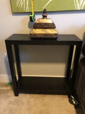 Small table for Sale in Sunrise, FL