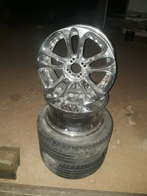 A set of 17 inc rims 4 lugs 150.00 or best offer or trade for a phone for Sale in Hesperia, CA