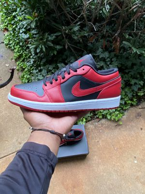 Jordan 1 Reverse Bred size 9.5 for Sale in Greensboro, NC