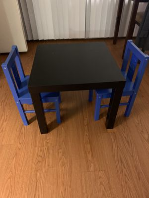 Kids table with 2 chairs for Sale in Lakewood, CA