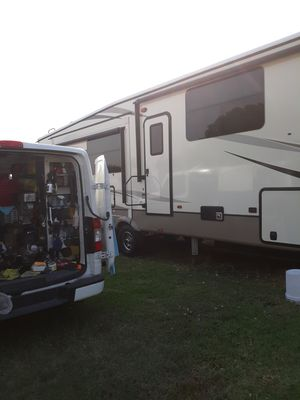 RV motor homes cleaning for Sale in Los Angeles, CA