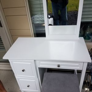 Make Up Table With Mirror for Sale in Graham, WA