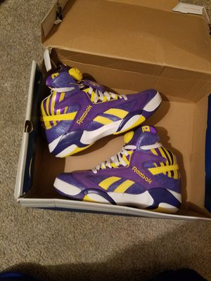 Reebok SIZE 8 for Sale in Thermal, CA