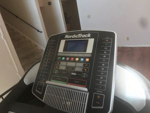 NordicTrack C900i Treadmill for Sale in Huntington Beach, CA
