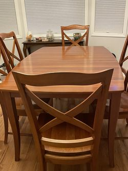 Solid Cherry Dining Table, 6 Chairs With Hutch (Richardson Brothers) for Sale in Portland,  OR