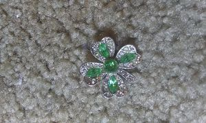 Vintage green rhinestone clover brooch for Sale in Tullahoma, TN