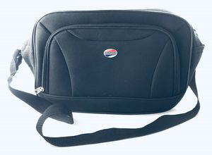 American Tourister - Over-The-Shoulder, Messenger Bag. In Excellent Condition!! for Sale in Skokie, IL