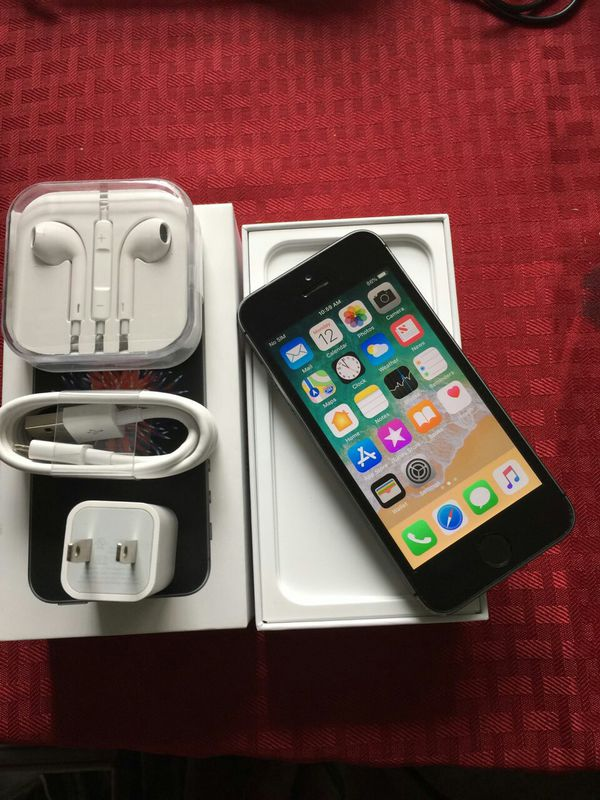 IPhone 5S, Factory UNLOCKED//Excellent Condition// As like New//Price is Negotiable