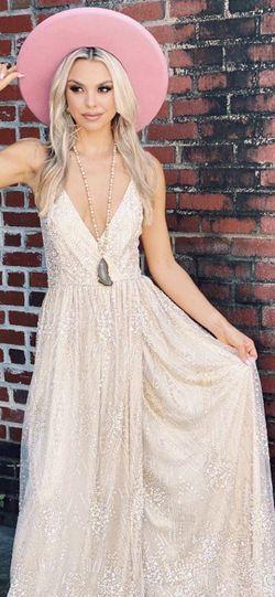 Southern Fried Chics Shimmer Wedding Dress for Sale in Phoenix,  AZ
