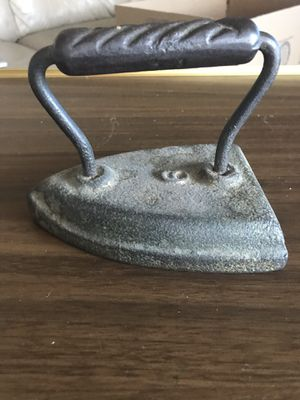 Antique Iron over 100 years old for Sale in Gardena, CA