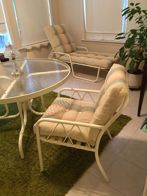 COMPLETED PATIO LAWN FURNITURE (9 pieces set)WITH MATCHING CUSHIONS