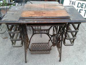 Antique Singer treadle base for Sale in Pataskala, OH