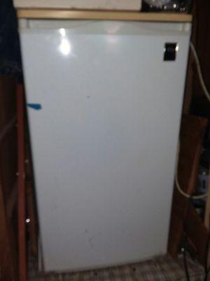 Mini refrigerator for Sale in Payson, AZ