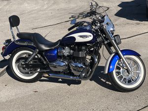 2013 Triumph America cruiser/ motorcycle for Sale in San Antonio, TX