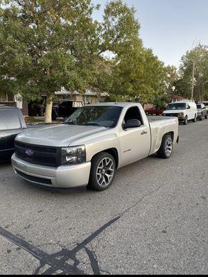 chevy silverado single cab 08 V8 for Sale in Denver, CO